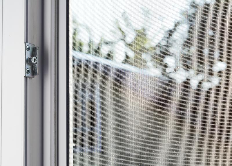 Москитные сетки на окна